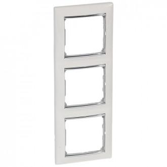 Рамка 3 поста белый/серебряный штрих, Valena