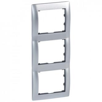 Рамка металлическая 3 поста вертикальная цвета матовый алюминий, Galea Life