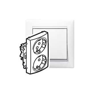 Розеточный блок специальный с защитными шторками белый, Valena (комплект 5 шт.)